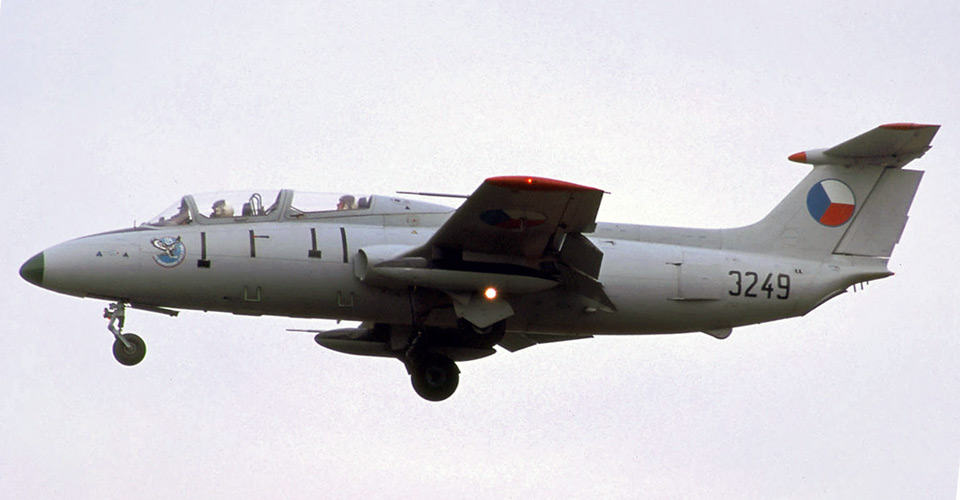 Aero L.-29 Dolphin - flyvere.dk