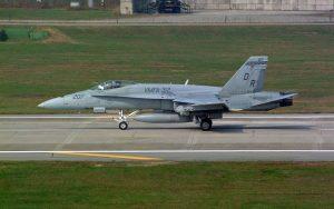 Boeing F/A-18 Hornet - flyvere.dk
