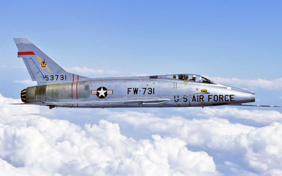 North American F-100 - flyvere.dk