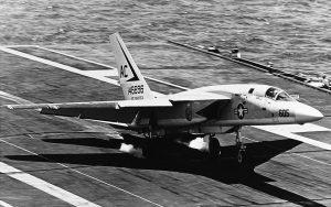 RA-5C_Vigilante RVAH-1 lander på USS_Saratoga 1969 - flyvere.dk