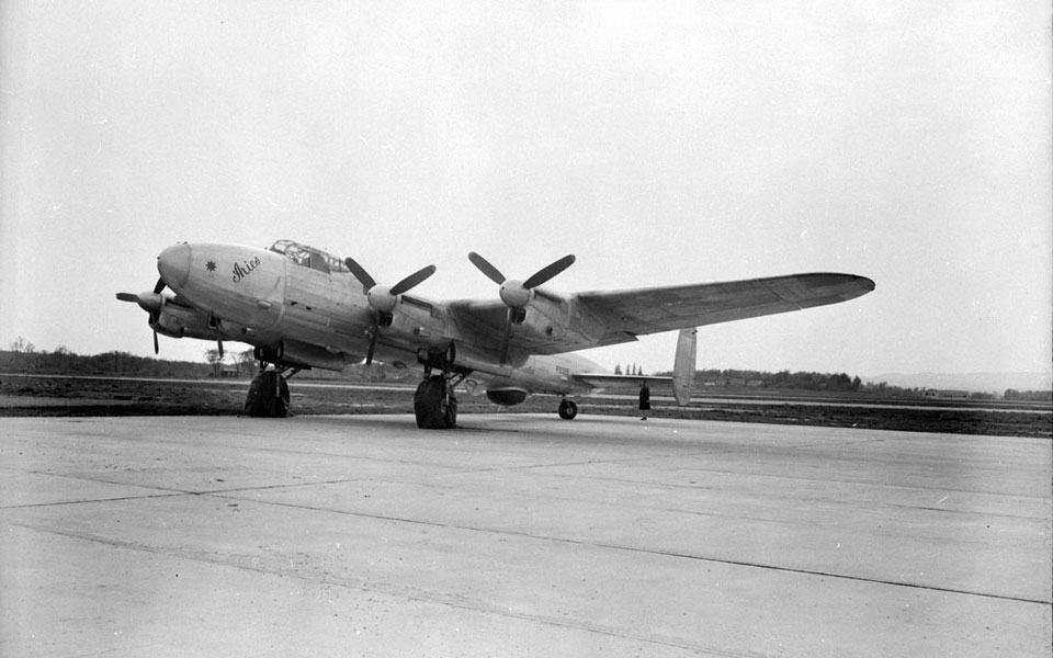 Avro Lancastrian - flyvere.dk
