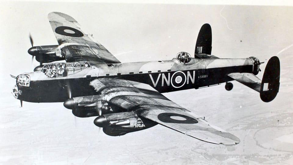Avro Lancaster - flyvere.dk
